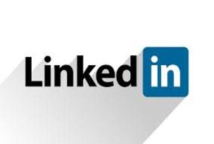 """Read more about the article Does the """"#Opentowork"""" option on Linkedin help find a job?"""